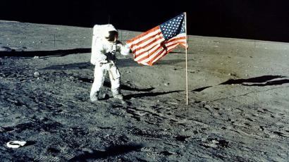 #126 – Moon Landing